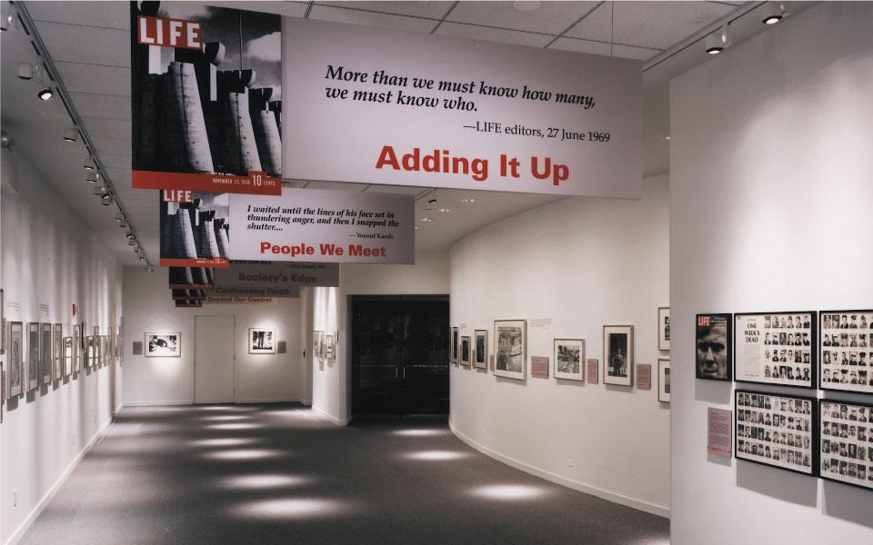 Museum Display Installation for Newseum   DisplayCraft