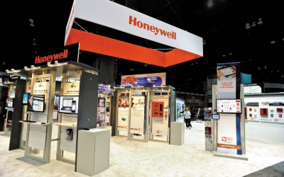 40x70 Island Exhibit | Honeywell