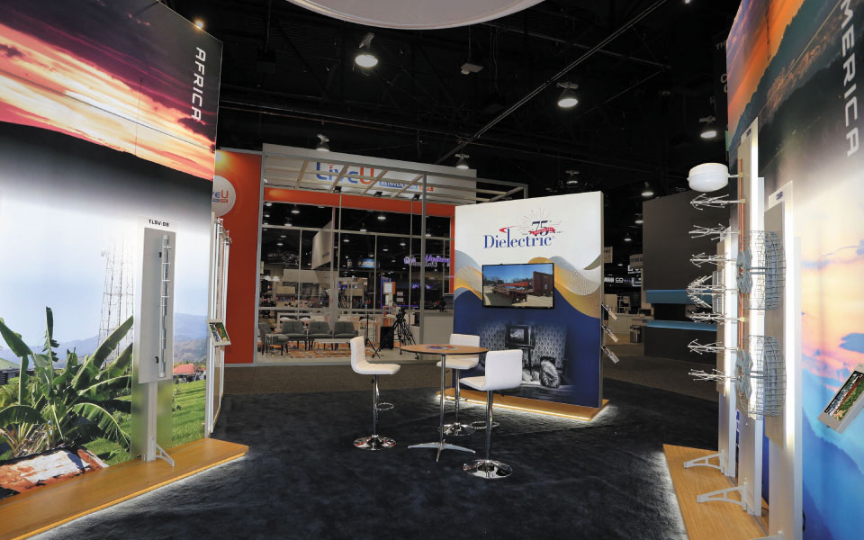 Custom Trade Show Exhibit | Backlit Tower Displays | Dielectric